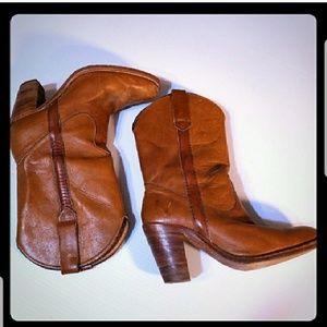 Vintage Frye Boots Butterscotch Leather sz 8.5AA
